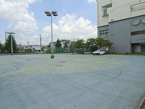 足立区総合スポーツセンター(※スケートボードは禁止)