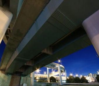 東名高速横浜青葉インター下
