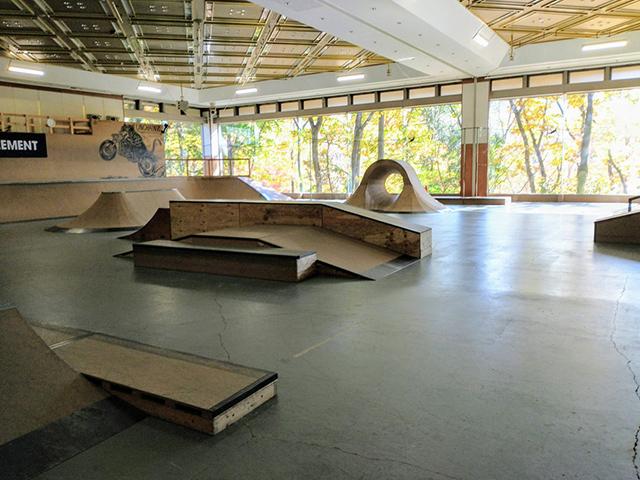 UNCHAINZ スケートパーク