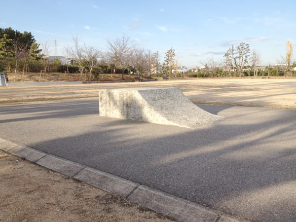 明石海浜公園 スケートボード練習場