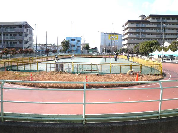 伊丹市ローラースケート場