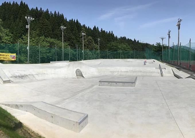 南魚沼スケートボードパーク